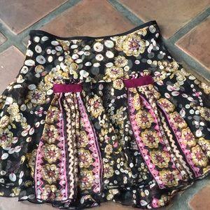 Diane Von Furstenberg 100% silk skirt size 8